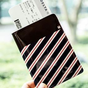 [단종특가] 루카랩 네이비 스트라이프 패턴 여권케이스
